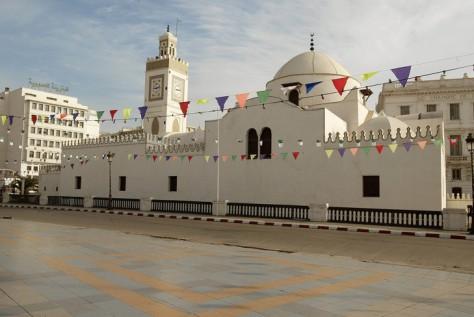vue-mosquee-djemaa-jedid-alger-novembre-2004_0_730_488